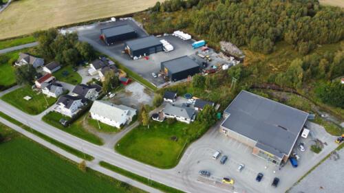 Teglverksveien 108. Dahle Transport, DF Elektro, VS Bygg, Belling...